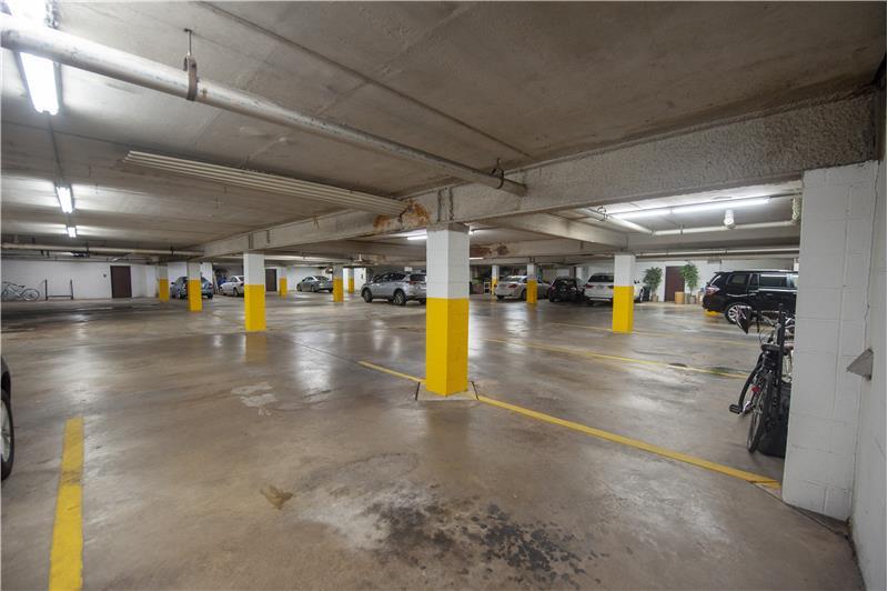 10 Dezac Arbordeau, Devon Private Underground Parking Garage