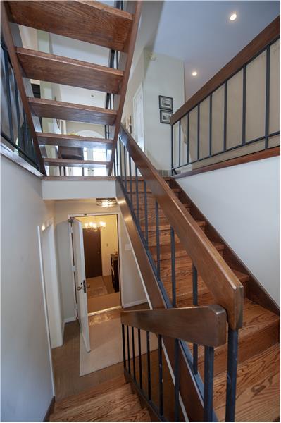 10 Dezac Arbordeau, Devon Stairs to Lower Level