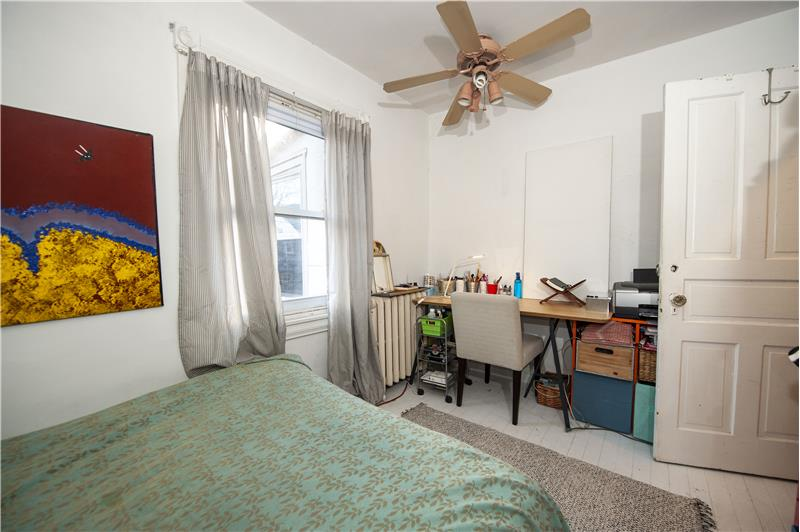 10 Thomas Avenue Apartment Bedroom