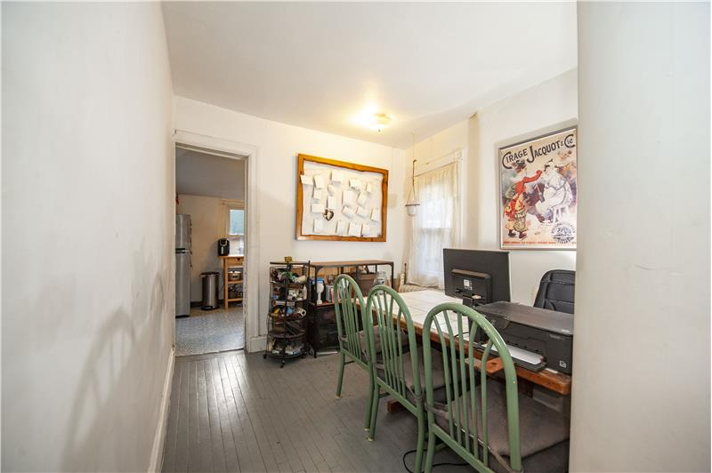 10 Thomas Avenue Apartment Dining Area