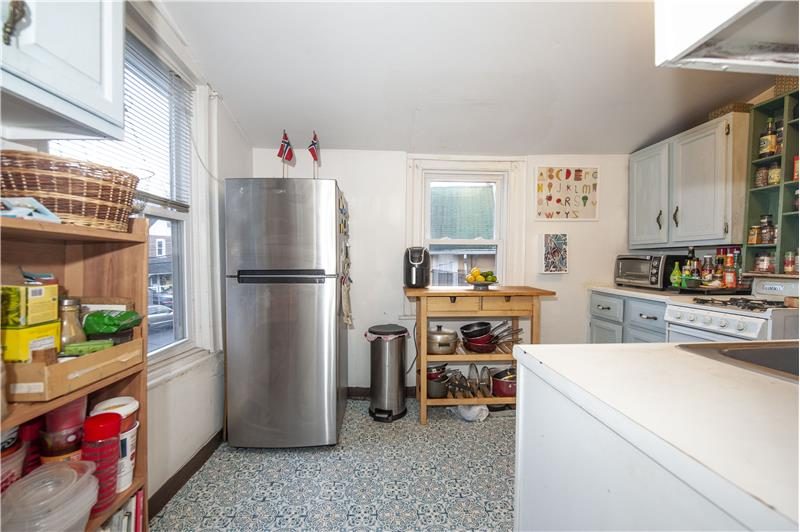 10 Thomas Avenue Apartment Kitchen