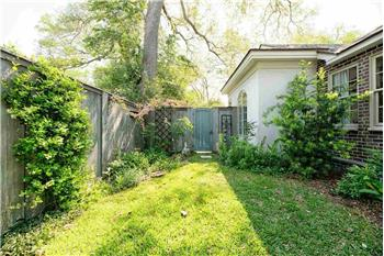 Primary listing photos for listing ID 586018