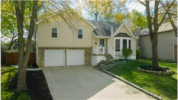 Nice Olathe 3/2 Split Level Home for Sale