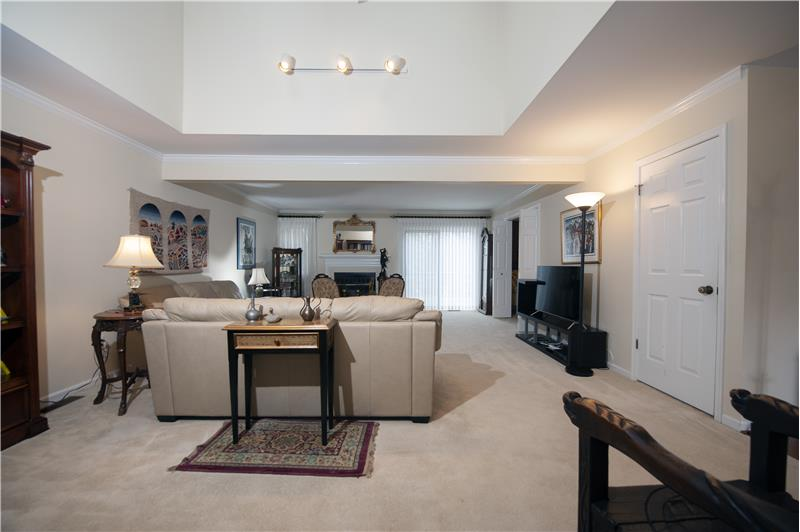 1029 Kennett Way, West Chester, Living Room