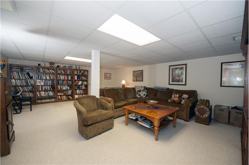 1029 Kennett Way, West Chester, Finished Lower Level