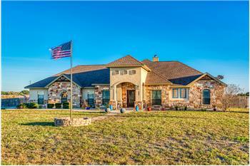 104 Carrizo Ranch Dr, Floresville, TX