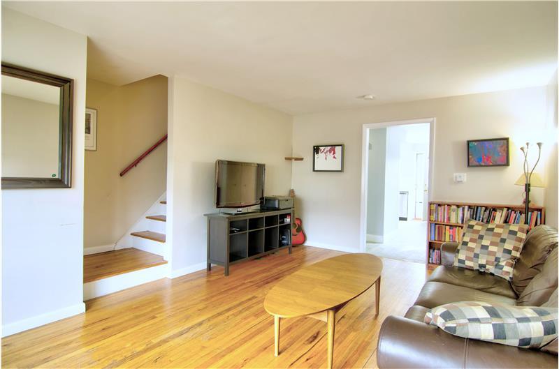 Hardwood floors in LR & bedrooms