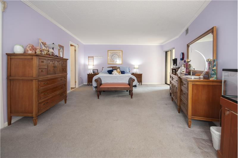 10714 Valley Forge Circle Primary Bedroom