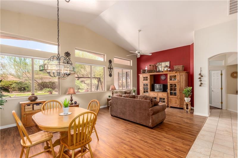 Grande & Bright Living Room & Dining Area!