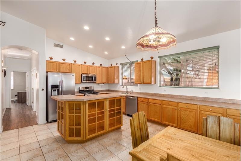 Tons of Cabinets & Counters