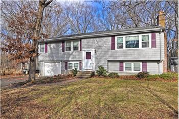 108 Gregory Rd, Holliston, MA