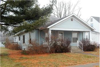 113 W King St, Fairfield, IL