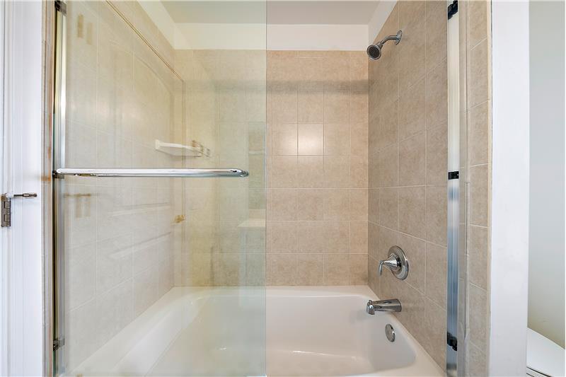 Hall Bath - Tub/Shower