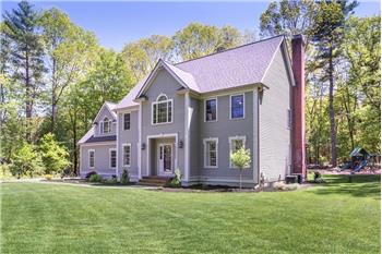 12 Woodhaven Drive, Franklin, MA
