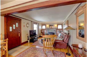Primary listing photos for listing ID 590482