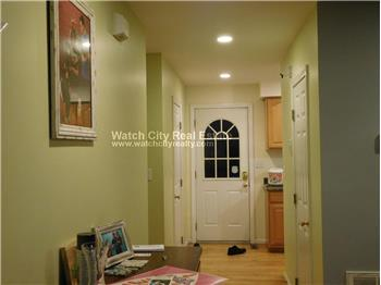 Primary listing photos for listing ID 567703
