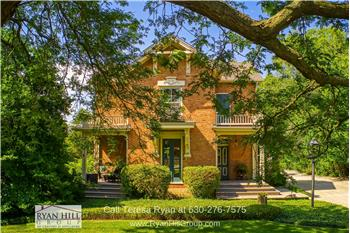 1309 Oswego Rd, Naperville, IL
