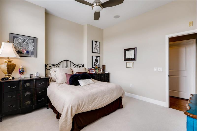 What guest wouldn't enjoy spending a night or two (or even three) in this bedroom?