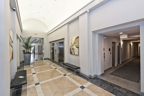 Stylish and immaculate lobby at 1320 Fillmore. Two large elevators serve the building and parking decks.