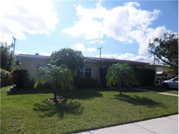 1320 W Mango Street, Lantana, FL