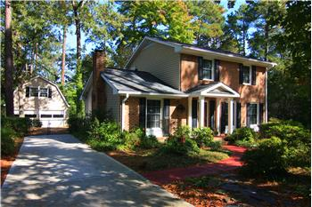 Classic Colonial Parkwood Home!