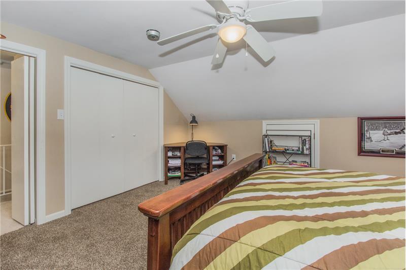 134 Newton Ave N - 3rd Floor Bedroom
