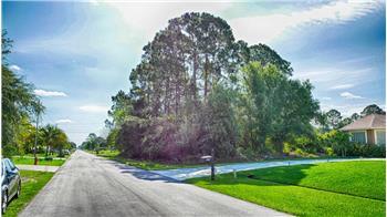 1362 SW Ingrassina Avenue, Port St. Lucie, FL