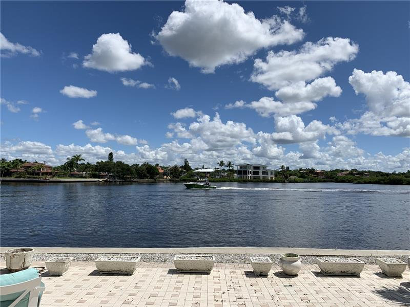 Patio on Bay and Intracoastal Waterway
