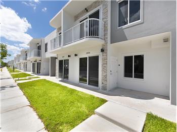 13936 SW 259th Way, Miami, FL
