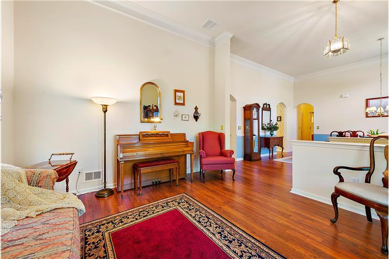 Open Living Area & Foyer