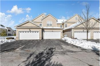 Primary listing photos for listing ID 582460