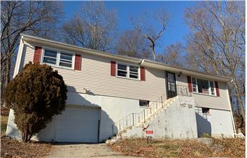 142 Silver Hill #R Road, ansonia, CT