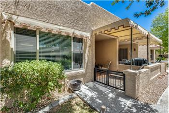Primary listing photos for listing ID 570908