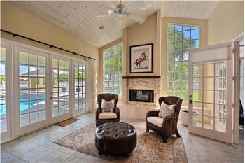 Primary listing photos for listing ID 584648