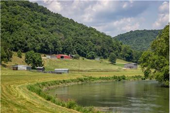 1448 Porter Johns Road, Tazewell, TN