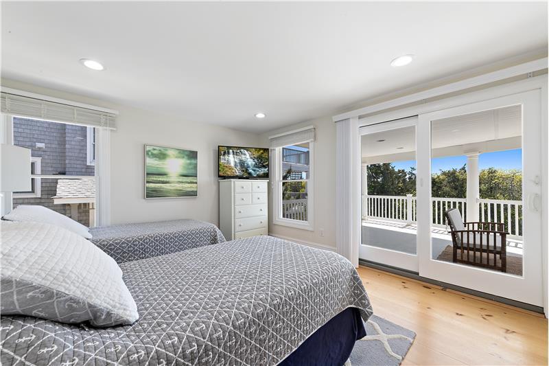 Oceanfront Bedroom w/Sliders to Decking