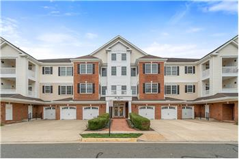 15231 Royal Crest Drive Unit 201, Haymarket, VA