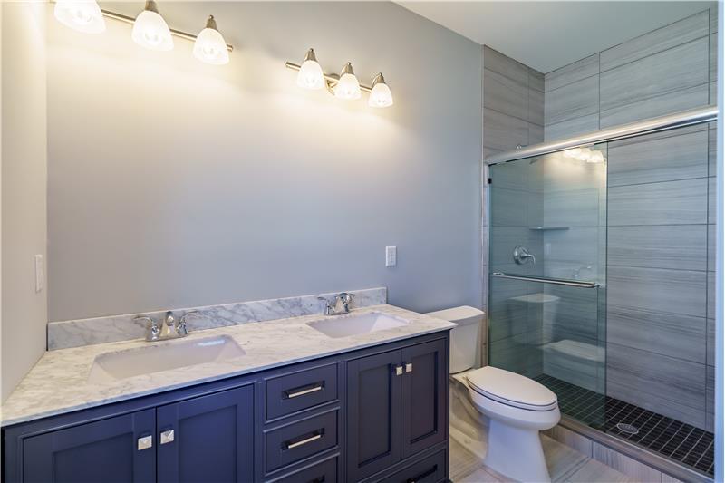 Junior Bath w/Double Vanities