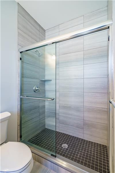 Junior Walk-in Shower w/Glass Doors