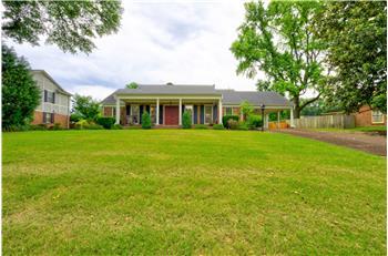 1606 Poplar Estates Parkway, Germantown, TN