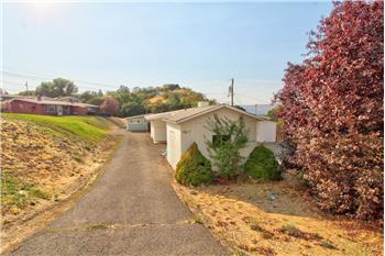 1607 Nevada St, The Dalles, OR