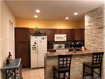 17087 SW 93 St 403, Miami, FL