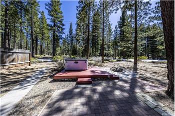 1709 Nadowa St, South Lake Tahoe, CA