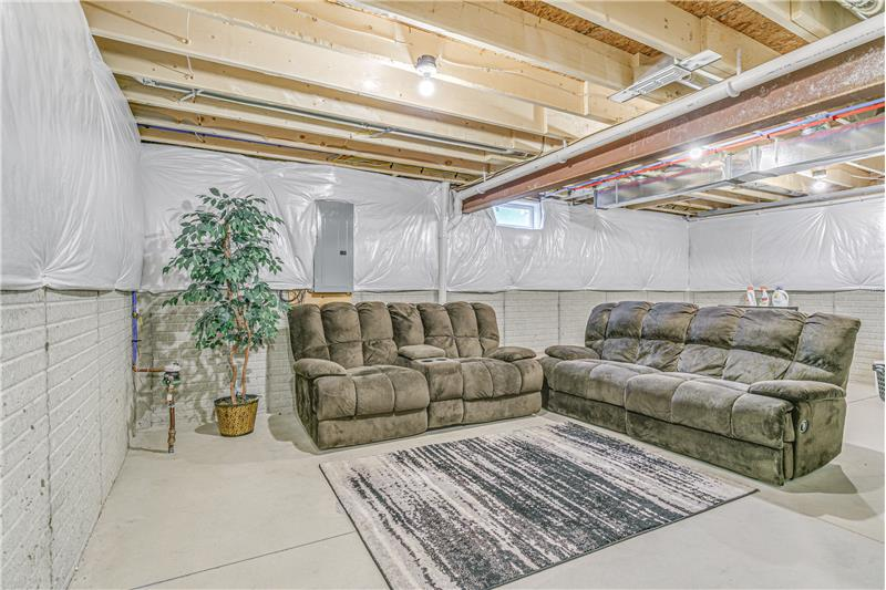 Huge basement with Aprilaire
