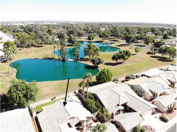 Golf Course Pond View !
