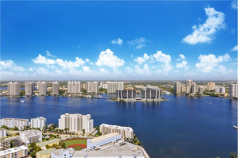 The private island in the bay ahead is the new Prive Island Estates with boats passing through and so much to see!
