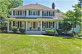 2 Winterberry Dr, Franklin, MA