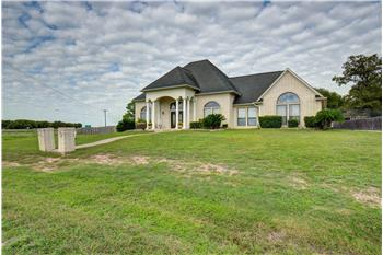 Primary listing photos for listing ID 578608