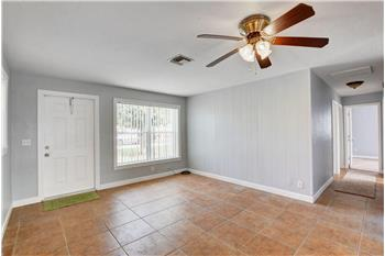 2012 Longwood Rd, West Palm Beach, FL