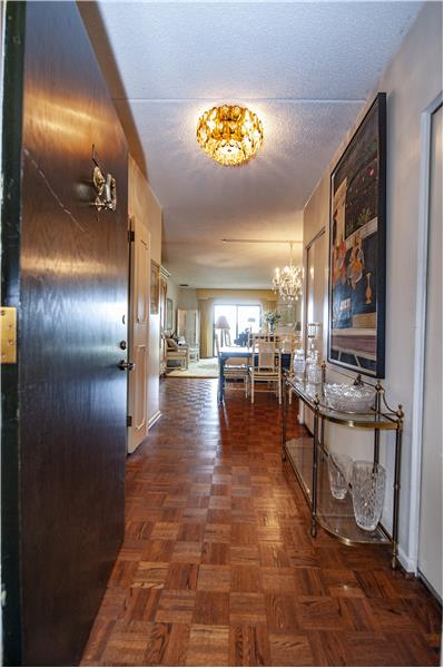 20737 Valley Forge Circle Entry Foyer